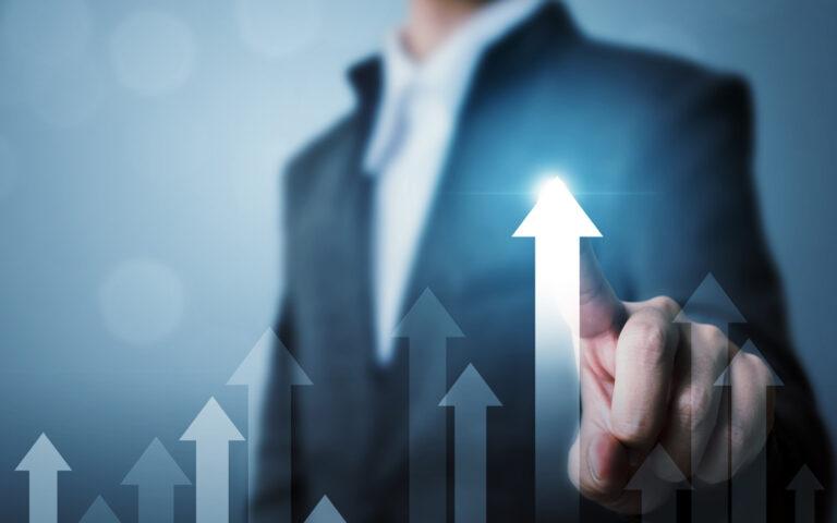 Wzrost rentowności i udziałów w rynku. Wdrożenia i rezultaty Strategy&Results - skutecznie zwiększamy rentowność, zaangażowanie i efektywność zespołów.