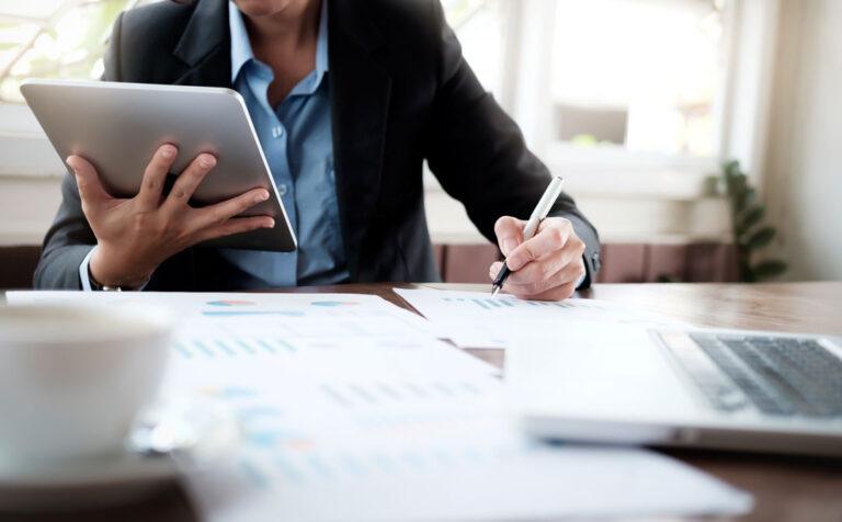 Stworzenie przewagi konkurencyjnej. Wdrożenia i rezultaty Strategy&Results - skutecznie zwiększamy rentowność, zaangażowanie i efektywność zespołów.
