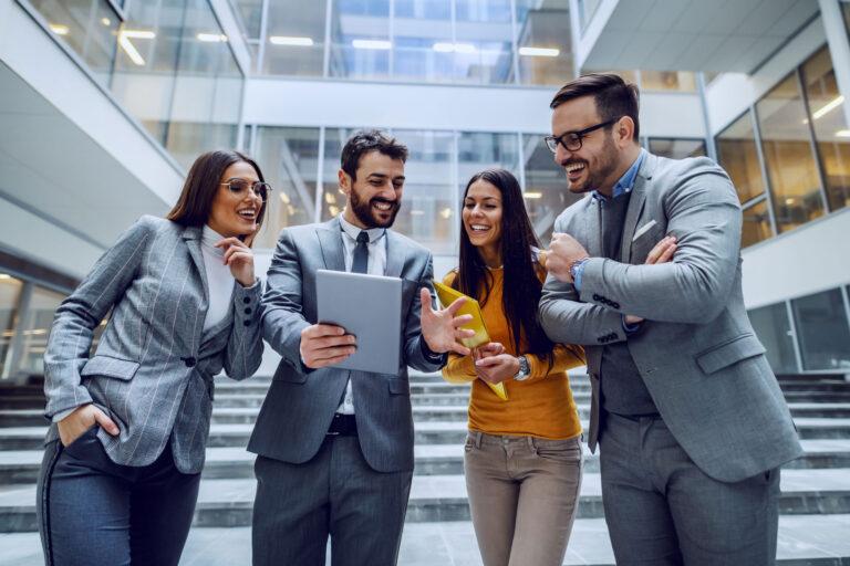 Popraw siłę marki. Narzędzia. Strategy&Results - skutecznie zwiększamy rentowność, zaangażowanie i efektywność zespołów.