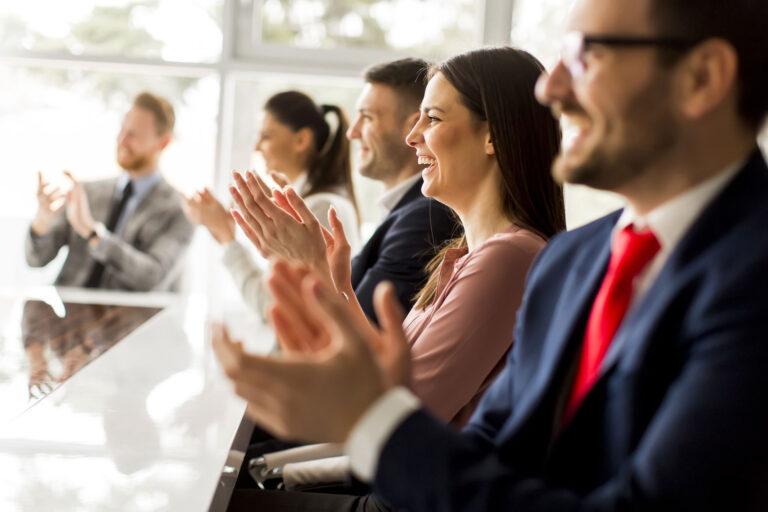 Wzrost zaangażowania i kompetencji pracowników. Narzędzia. Strategy&Results - skutecznie zwiększamy rentowność, zaangażowanie i efektywność zespołów.