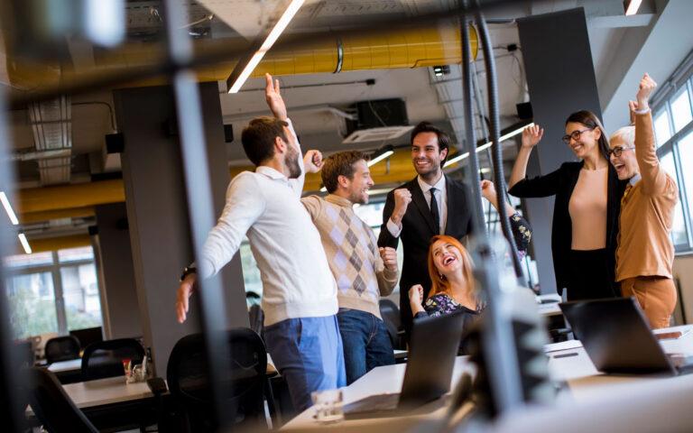 Wzrost sprzedaży i marż przy pełnym zaangażowaniu pracowników. Wdrożenia i rezultaty Strategy&Results - skutecznie zwiększamy rentowność, zaangażowanie i efektywność zespołów.